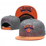 Gorra New York Knicks Gris Naranja